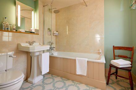 Uffington-Bathroom-439x260